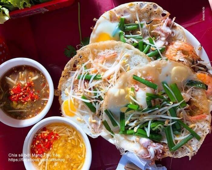 Bánh xèo Phú Yên nhân hải sản